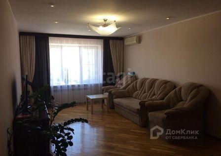Продаётся 4-комнатная квартира, 127.3 м²