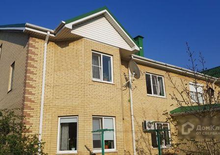 Продаётся 4-комнатная квартира, 175 м²