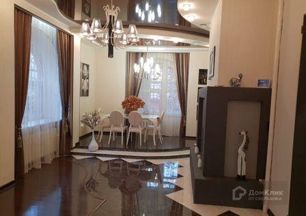 Продаётся 3-этажный дом, 500 м²