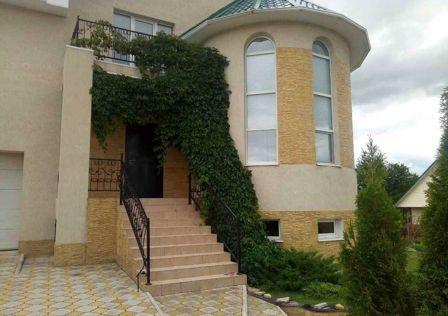 Продаётся 3-этажный дом, 266 м²
