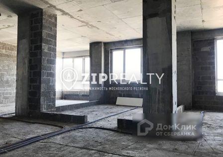 Продаётся 3-комнатная квартира, 105 м²