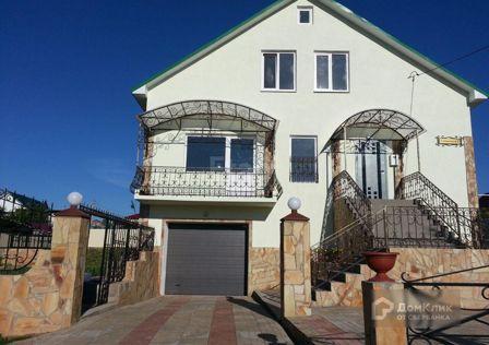 Продаётся 3-этажный дом, 365 м²