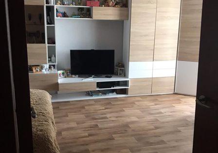 Продаётся 1-комнатная квартира, 56.3 м²
