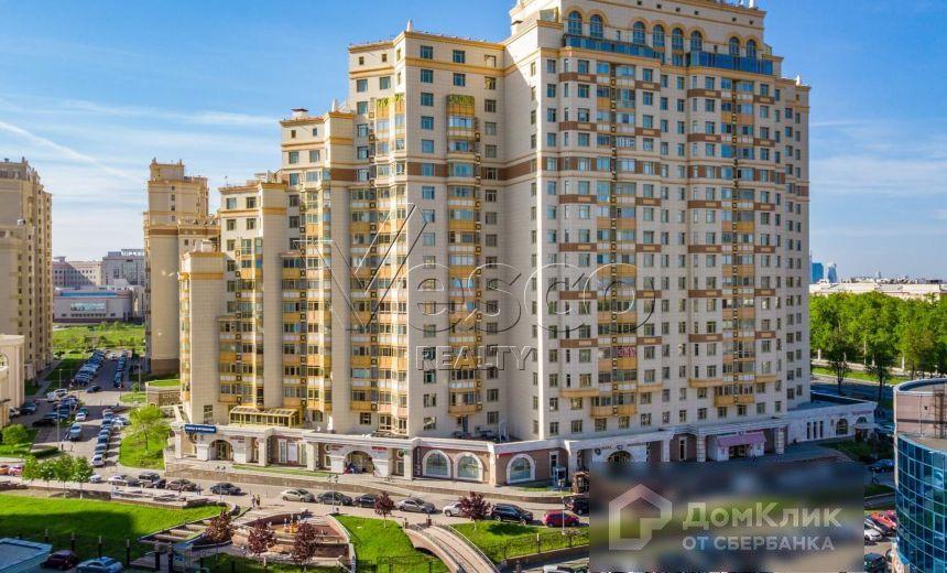 Продаётся 3-комнатная квартира, 136.6 м²