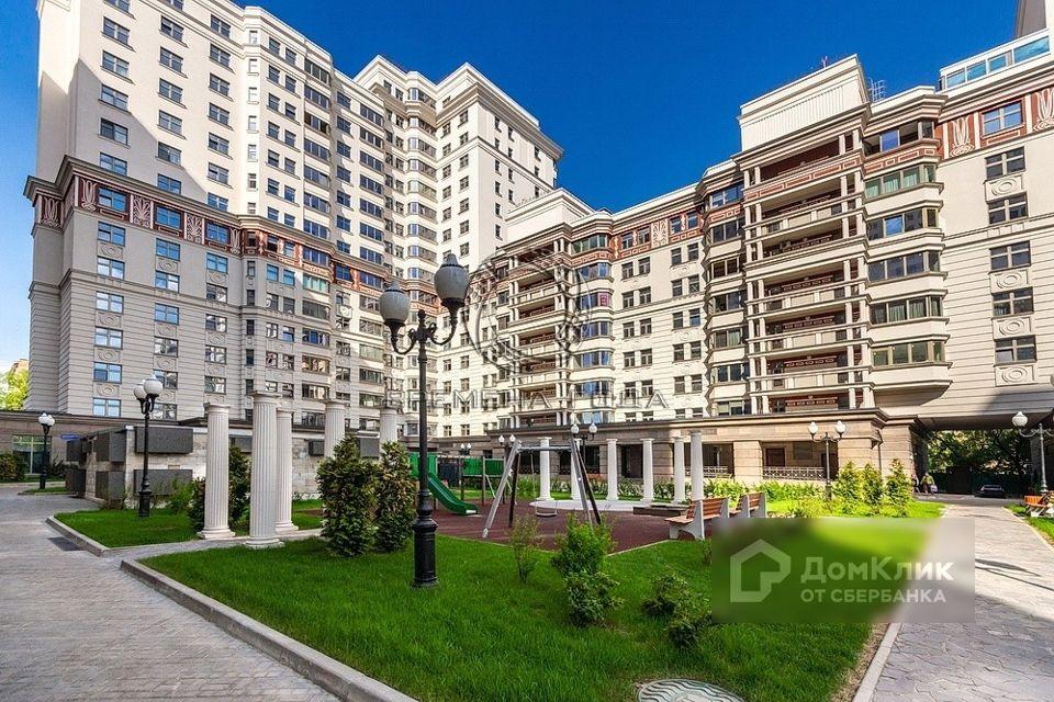 Продаётся 3-комнатная квартира, 121.3 м²