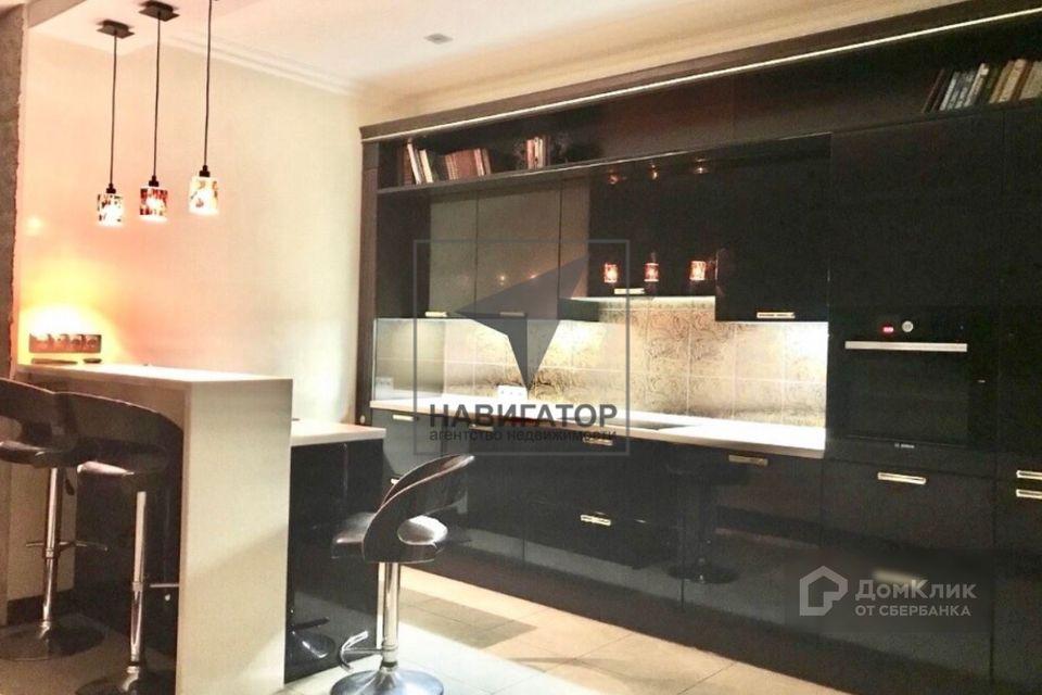 Продаётся 4-комнатная квартира, 130 м²