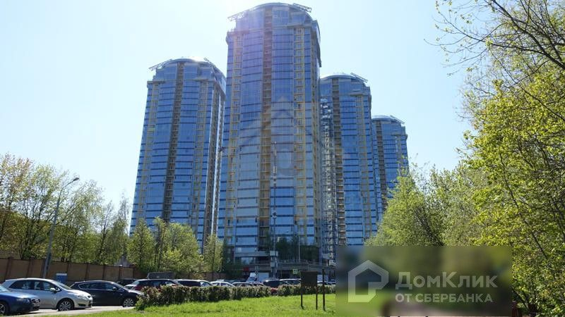 Продаётся 4-комнатная квартира, 177 м²