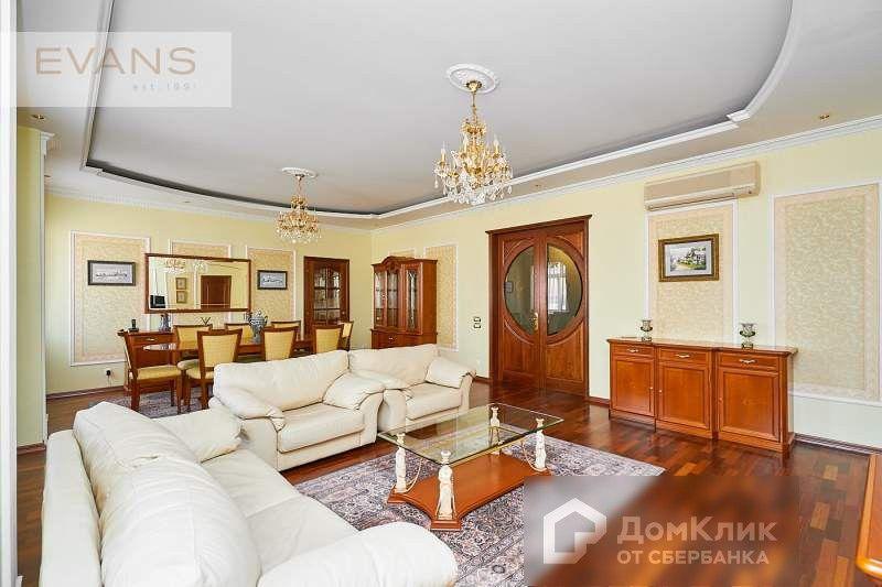 Продаётся 4-комнатная квартира, 171 м²