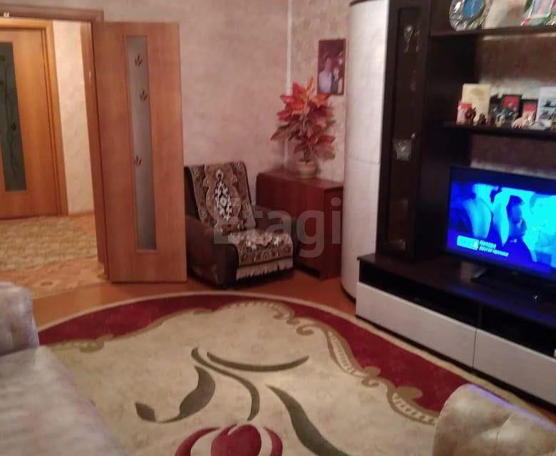 Продаётся 4-комнатная квартира, 77.6 м²