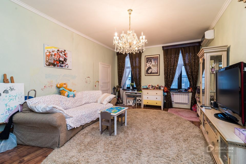 Продаётся 3-комнатная квартира, 114.7 м²