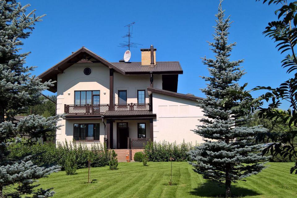 Продаётся 3-этажный дом, 450 м²