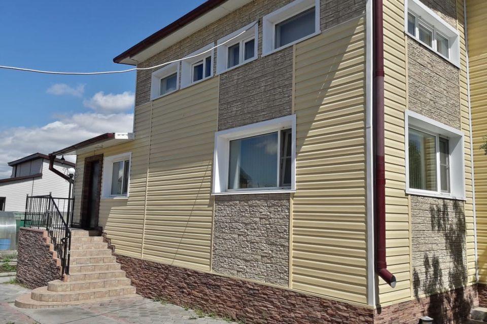Продаётся 2-этажный дом, 272 м²