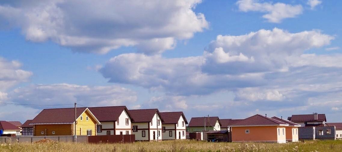 Купить дом, 132 м² по адресу Свердловская область, Белоярский городской округ, посёлок Прохладный, коттеджный поселок Чистые Росы-2 недорого в ДомКлик — поиск, проверка, безопасная сделка с жильем в офисе Сбербанка.